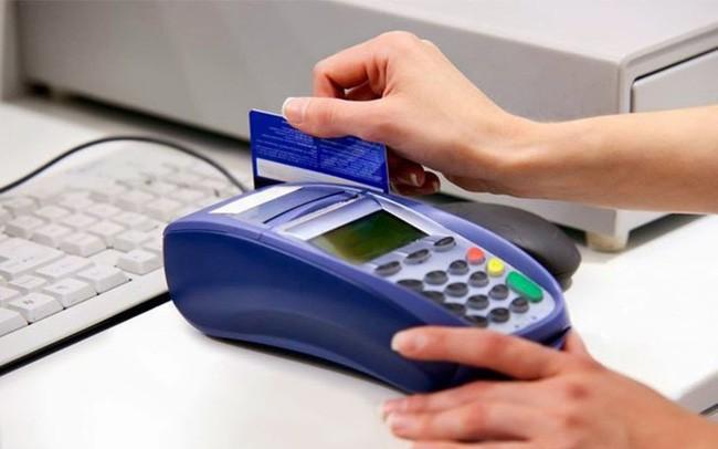 mua vàng bằng thẻ tín dụng